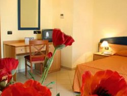Tropea hotels with swimming pool
