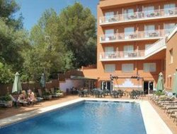 Peguera hotels with swimming pool