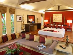 Top-9 romantic Maenam hotels