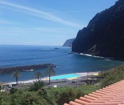 Ponta Delgada: CityBreak no Lovely Sea View 3-Bed House in Ponta Delgada desde €