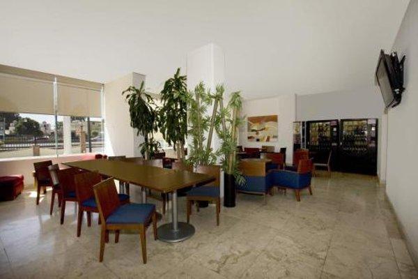 One Queretaro Plaza Galerias - 5