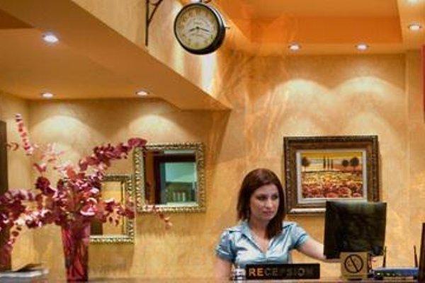 Stela Hotel Tirana - фото 17