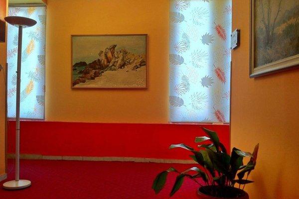 Stela Hotel Tirana - фото 9