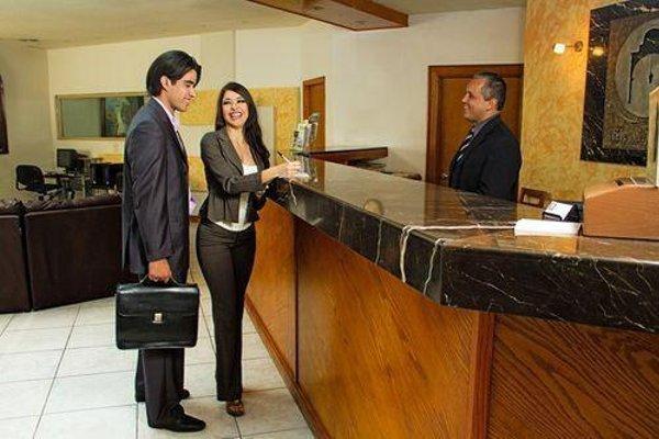 EL CASON HOTEL AND SUITES - 13