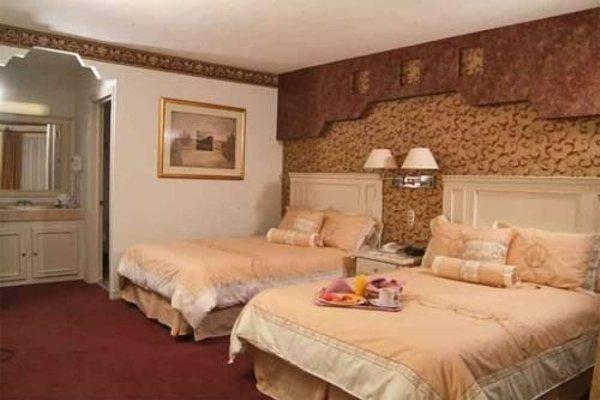 EL CASON HOTEL AND SUITES - 5