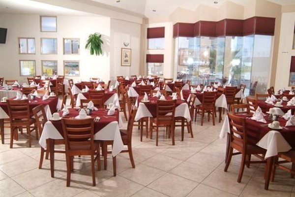 EL CASON HOTEL AND SUITES - 8