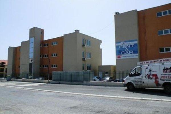 Coral Beach Apartment - 16
