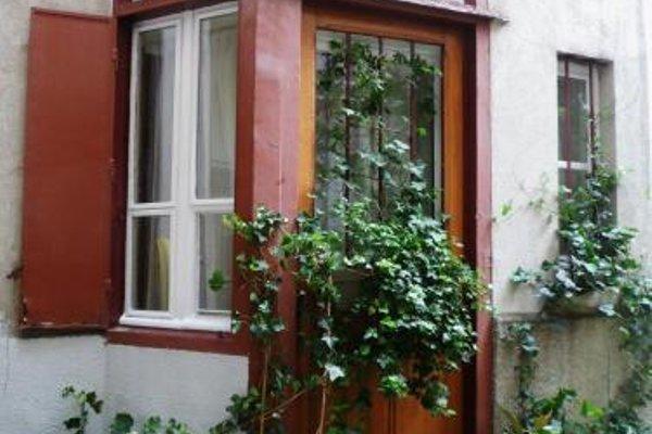 Urban Chic Montmartre Loft - 21