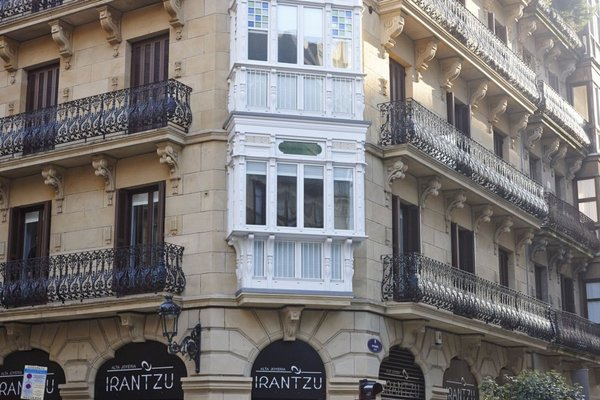 Easo Suite 7 Apartment by Feelfree Rentals - фото 11