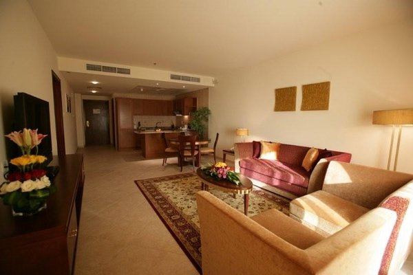 Al Manar Grand Hotel Apartment (ех. Belvedere Court Hotel Apartments) - фото 4