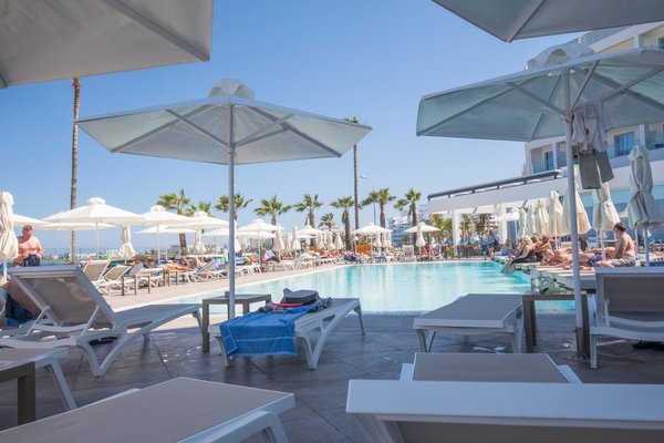 Evalena Beach Hotel - фото 13