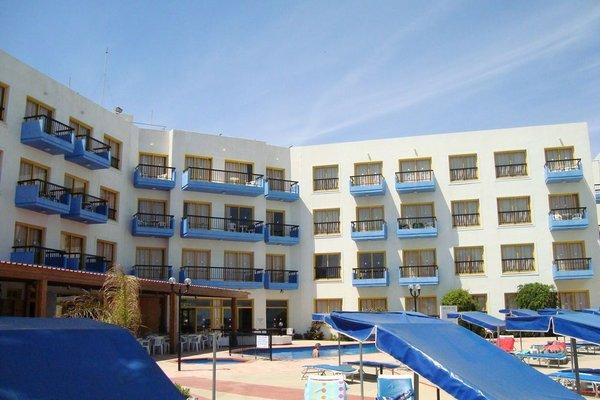 Evalena Beach Hotel - фото 20