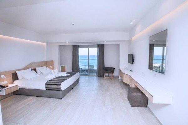 Evalena Beach Hotel - фото 3