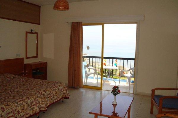 Evalena Beach Hotel - фото 6
