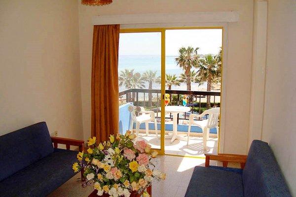 Evalena Beach Hotel - фото 9