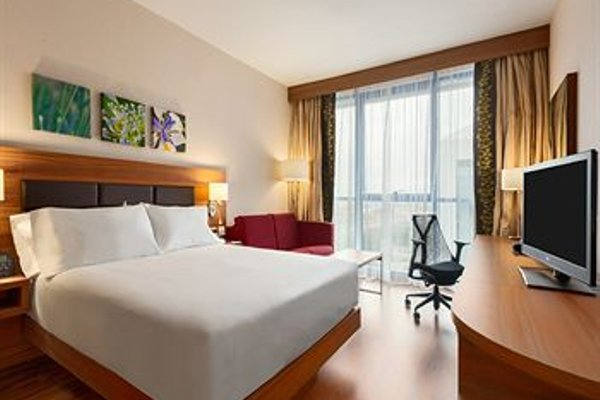 Hilton Garden Inn Sevilla - 50