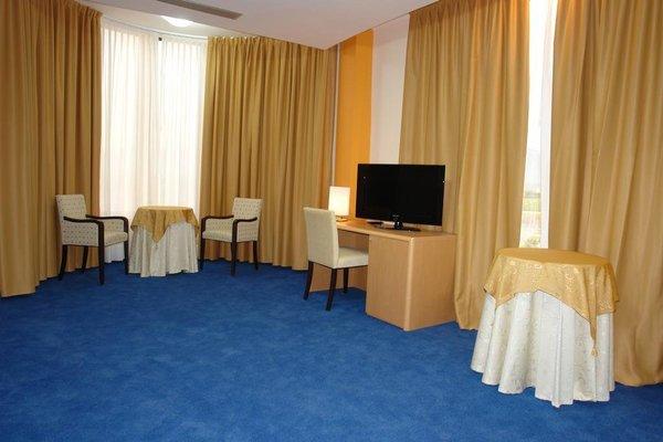 Hotel Airport Tirana - фото 4
