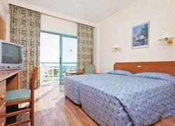 Tsokkos Antigoni Hotel Apartments (ех. Flora Hotel Apartments) фото 2