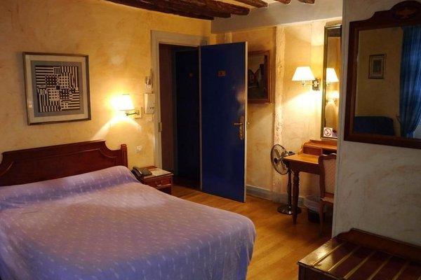 Hotel les Degres de Notre Dame - 55