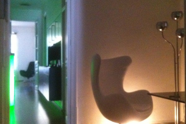 Modern-ist Apartment - фото 4