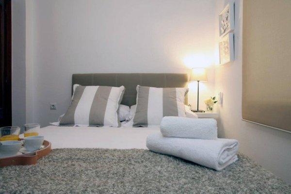 Poeta Llombart Apartments - фото 17