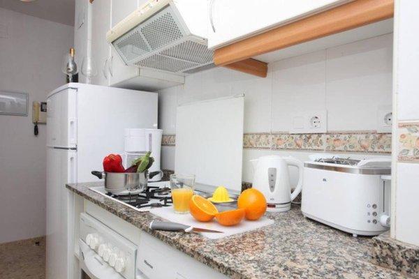 Poeta Llombart Apartments - фото 22