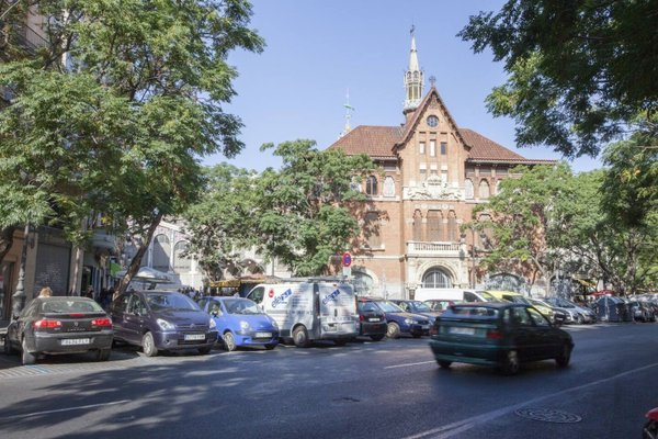 Poeta Llombart Apartments - фото 8