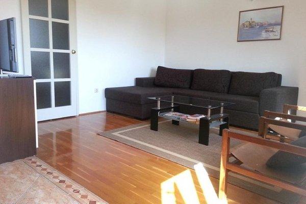 Apartments Bungevilla - 9