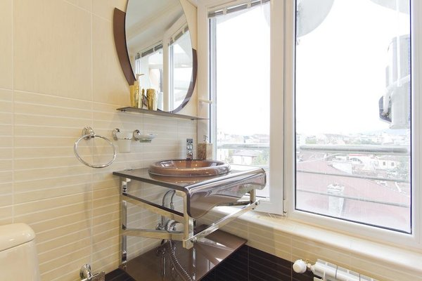 Penthouse Suites Apartments - фото 12