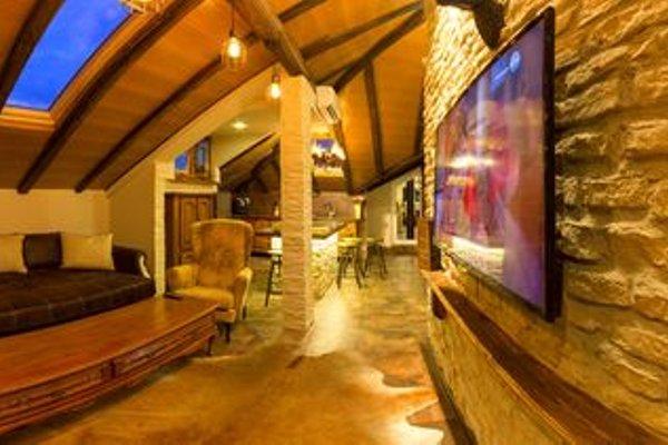 Penthouse Suites Apartments - фото 17