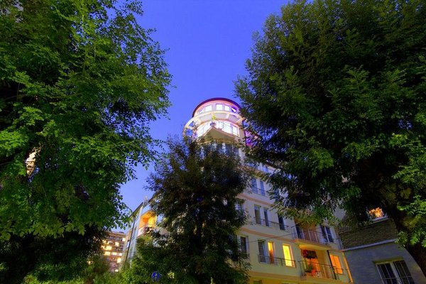 Penthouse Suites Apartments - фото 22