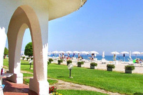 Family Beach Resort il Girasole - фото 23