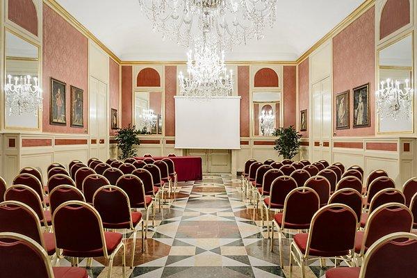 Eurostars Centrale Palace Hotel - фото 16