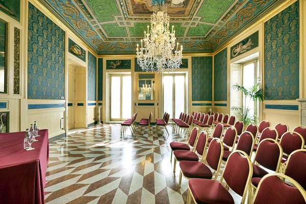Eurostars Centrale Palace Hotel - фото 6