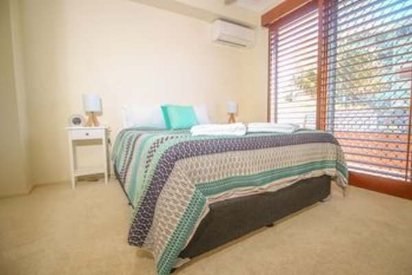 Absolute Beachfront Family Holiday Home - фото 10