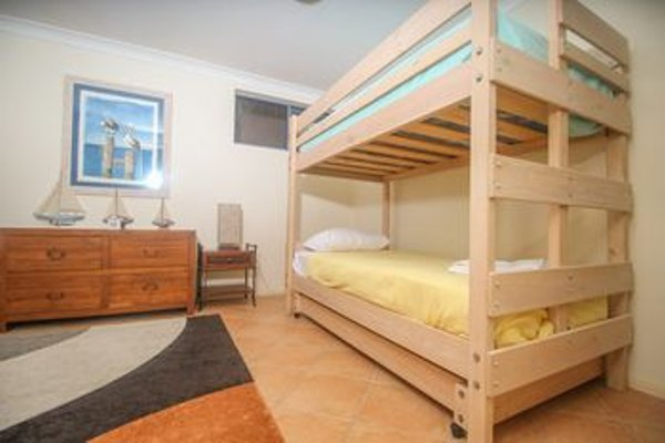 Absolute Beachfront Family Holiday Home - фото 13