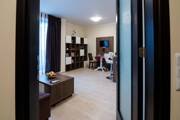 Super Central Luxury Apartment Burgas - фото 18