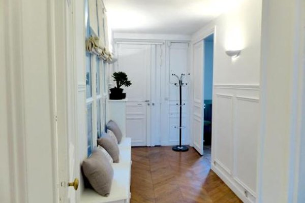Marvellous Sunbathed 3BR at the heart of Paris - фото 8