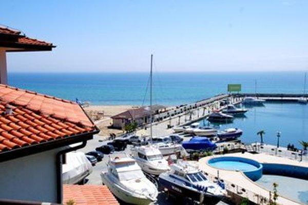 Baratero Vlas Marina Apartment - фото 22