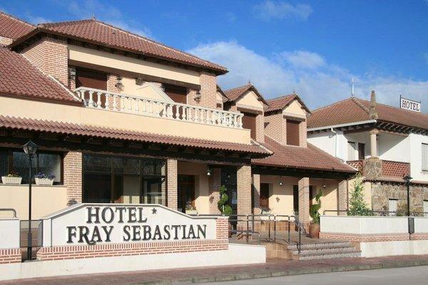 Hotel Fray Sebastian - фото 21