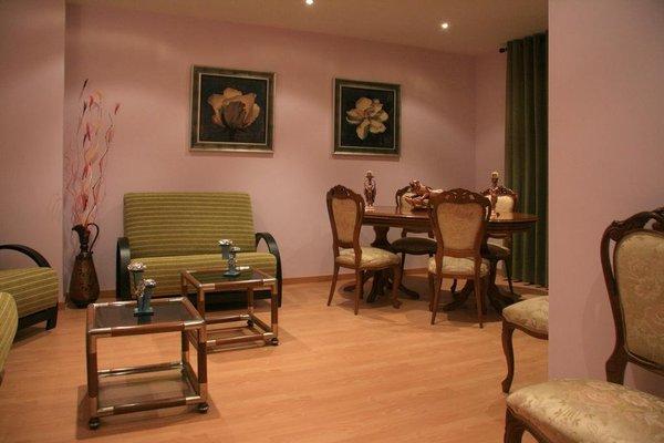 Hotel Fray Sebastian - фото 9