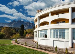 Фото 1 отеля Park Hotel Aleksandriya - Алупка, Крым