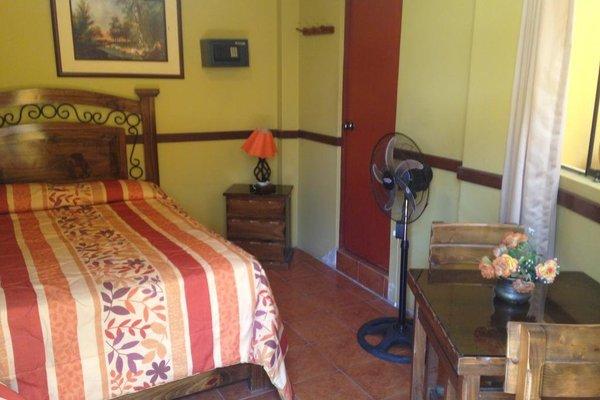 Hostal San Isidro - фото 37