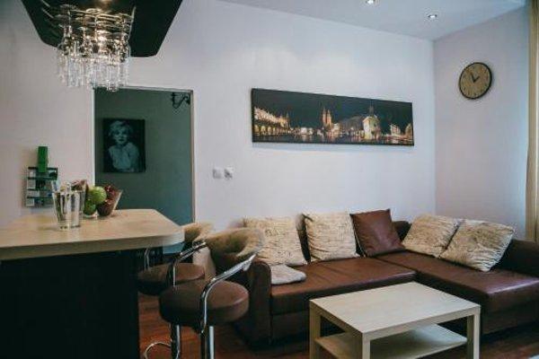 Apartment in Jewish District - фото 8