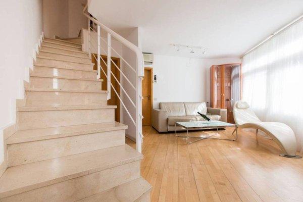 Vila Olimpica Apartment - фото 10