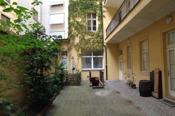 Apartment Benediktska - фото 13