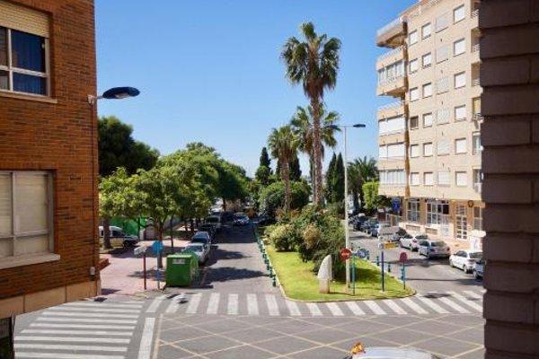 Unique Hotel Apartments - фото 15