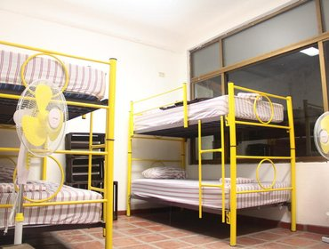 Хостел Chanclas Hostel