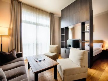 Апартаменты Mondrian Suites Berlin am Checkpoint Charlie
