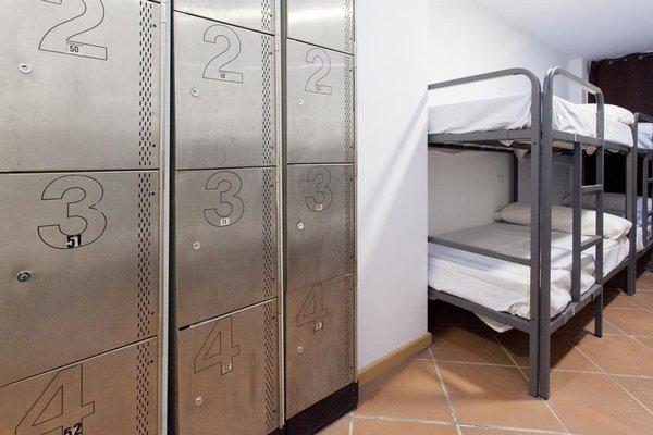 GalaxyStar Hostel Barcelona - 3